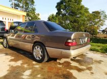 Mercedes-Benz 230E 1989 Sedan dijual