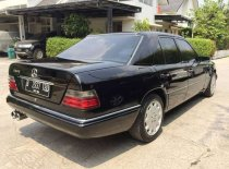 Butuh dana ingin jual Mercedes-Benz E-Class E 230 1991