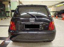 Butuh dana ingin jual Toyota IST 2003