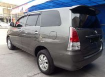 Butuh dana ingin jual Toyota Kijang Innova E 2.0 2009