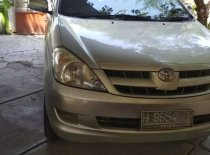 Jual Toyota Kijang Innova 2004, harga murah
