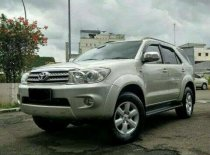 Butuh dana ingin jual Toyota Fortuner G TRD 2010