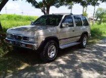 Butuh dana ingin jual Nissan Terrano 1997