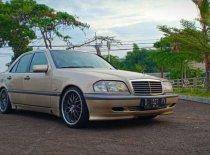 Butuh dana ingin jual Mercedes-Benz C-Class 230 1999