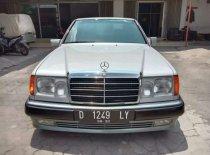 Jual Mercedes-Benz E-Class 1993, harga murah
