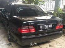 Jual Mercedes-Benz E-Class 1998, harga murah