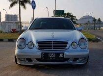 Butuh dana ingin jual Mercedes-Benz E-Class E 240 2000