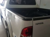 Butuh dana ingin jual Toyota Hilux G 2014