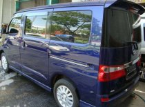 Jual Daihatsu Luxio 2010 termurah