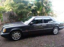 Butuh dana ingin jual Mercedes-Benz E-Class 1994
