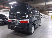 Jual Daihatsu Luxio 2016 termurah