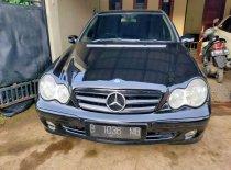 Butuh dana ingin jual Mercedes-Benz C-Class 230 2005