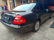 Mercedes-Benz E-Class 260 2004 Sedan dijual