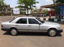 Jual Mercedes-Benz E-Class E 230 1989