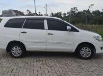 Butuh dana ingin jual Toyota Kijang Innova E 2.0 2013