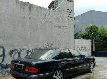Butuh dana ingin jual Mercedes-Benz C-Class C 320 1996