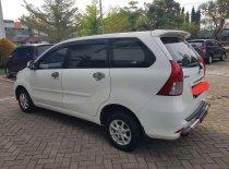 Butuh dana ingin jual Daihatsu Xenia M 2011