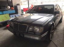 Mercedes-Benz E-Class E 300 1991 Sedan dijual