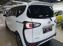 Butuh dana ingin jual Toyota Sienta V 2019