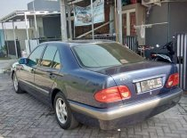 Jual Mercedes-Benz E-Class E 230 kualitas bagus