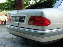 Jual Mercedes-Benz E-Class 1996 termurah