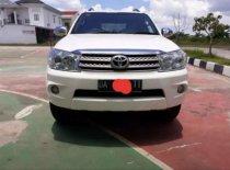 Toyota Fortuner G Luxury 2010 SUV dijual