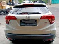 Butuh dana ingin jual Honda HR-V E CVT 2015