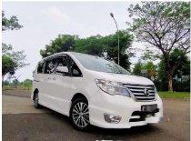 Butuh dana ingin jual Nissan Serena Highway Star 2015