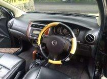 Butuh dana ingin jual Nissan Grand Livina Ultimate 2013