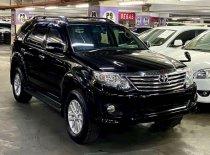 Butuh dana ingin jual Toyota Fortuner V 2013
