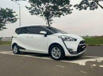 Butuh dana ingin jual Toyota Sienta G 2017