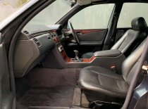 Jual Mercedes-Benz 230E 1996 termurah