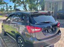 Butuh dana ingin jual Suzuki SX4 2018
