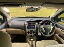 Butuh dana ingin jual Nissan Grand Livina SV 2017