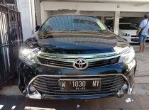 Butuh dana ingin jual Toyota Camry V 2015