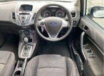Butuh dana ingin jual Ford Fiesta Trend 2013