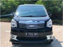 Butuh dana ingin jual Toyota NAV1 V Limited Luxury 2014
