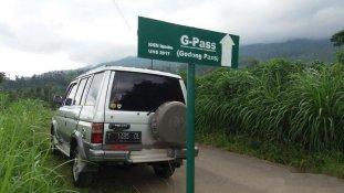 Butuh dana ingin jual Toyota Kijang  1994