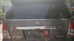 Butuh dana ingin jual Toyota Kijang Innova E 2.0  2008