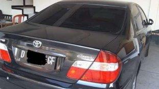 Butuh dana ingin jual Toyota Camry  2002