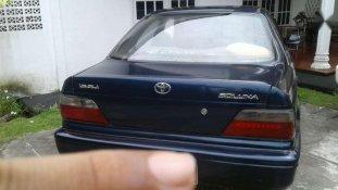Butuh dana ingin jual Toyota Soluna  2001