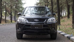 Jual Mobil Ford Escape Limited 2011