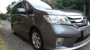 Jual Mobil Nissan Serena Highway Star 2014
