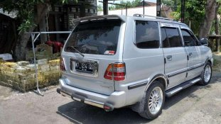 Butuh dana ingin jual Toyota Kijang LGX 2002