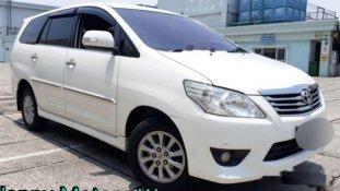 Butuh dana ingin jual Toyota Kijang Innova V 2013