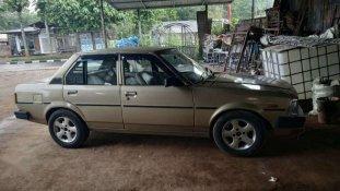 Butuh dana ingin jual Toyota Corolla  1983