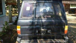 Butuh dana ingin jual Toyota Kijang  1990