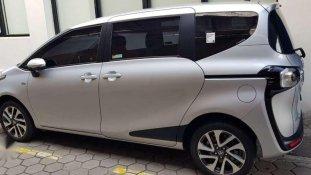 Jual Toyota Sienta V kualitas bagus