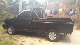 Butuh dana ingin jual Toyota Kijang Pick Up  2001