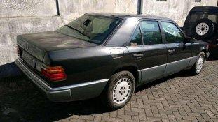 Mercedes-Benz E-Class E 230 1989 Sedan dijual